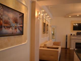 Продажа квартир: 2-комнатная квартира, республика Крым, Ялта, ул. Щорса, фото 1