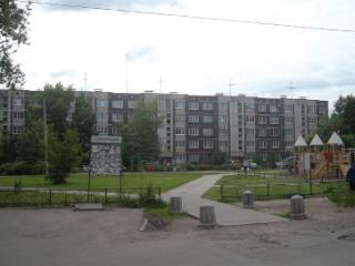 Снять 1 комнатную квартиру по адресу: Ленинградская область Тосненский р-н Тосно г пр-кт Ленина 57