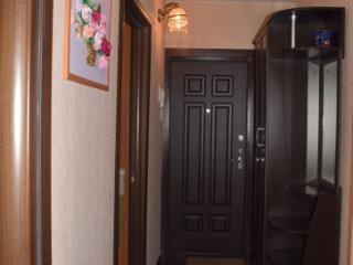 Продажа квартир: 2-комнатная квартира, Кемеровская область, Новокузнецк, ул. Кирова, 115, фото 1