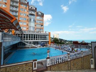 Продажа квартир: 2-комнатная квартира, республика Крым, Ялта, Загородная ул., 2, фото 1