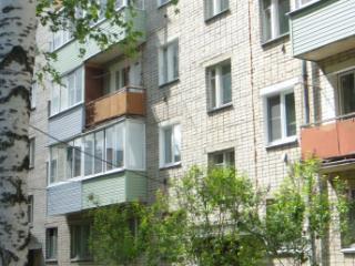 Продажа квартир: 2-комнатная квартира, Ярославская область, Ростовский р-н, рп. Семибратово, ул. Ломоносова, 24, фото 1