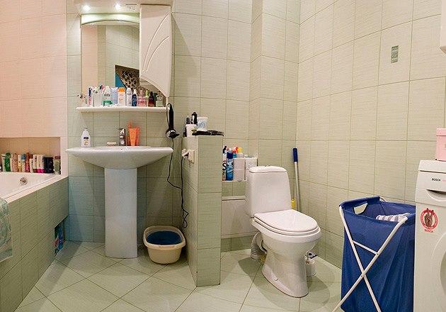 Ремонт в ванной комнате совмещенной с туалетом своими руками в частном доме 46