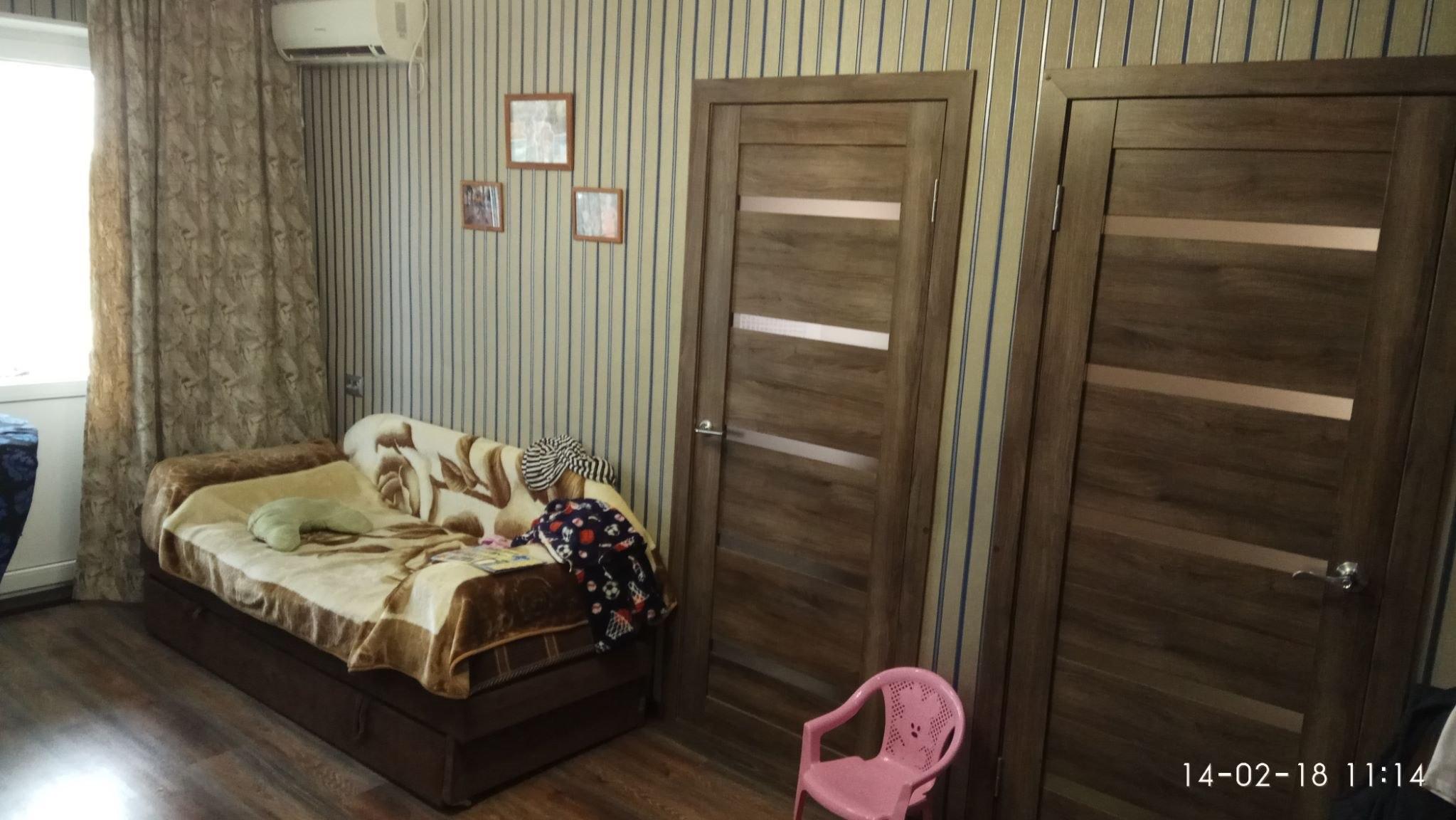 Продажа квартир: 3-комнатная квартира, республика Крым, Сакский р-н, с. Вересаево, Гвардейская ул., фото 1
