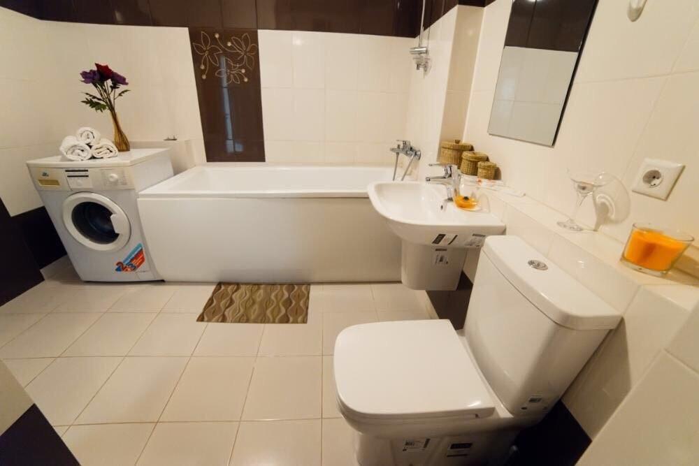 Продается двухкомнатная квартира за 2 800 000 рублей. Московская обл, г Мытищи, ул Борисовка, д 2.